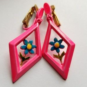 Vintage flower power clip earrings pink enamel